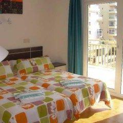 Отель Apartamentos Turísticos Yamasol Испания, Фуэнхирола - отзывы, цены и фото номеров - забронировать отель Apartamentos Turísticos Yamasol онлайн комната для гостей фото 2
