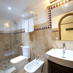 Отель Dar Yasmine Марокко, Танжер - отзывы, цены и фото номеров - забронировать отель Dar Yasmine онлайн ванная