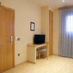 Отель Apartamentos DV Испания, Барселона - отзывы, цены и фото номеров - забронировать отель Apartamentos DV онлайн комната для гостей фото 4