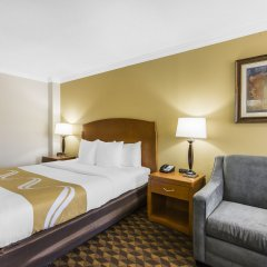 Отель Quality Inn & Suites Los Angeles Airport - LAX комната для гостей фото 3