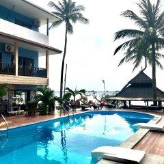 Отель Carabao Dive Resort бассейн