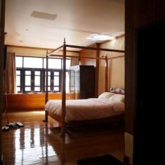 Отель The Royal ThaTien Village фото 7