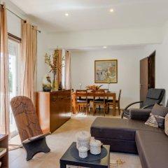Отель Apartamento Praia Do Sul комната для гостей