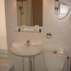 Отель Le Tête d'Or Франция, Лион - отзывы, цены и фото номеров - забронировать отель Le Tête d'Or онлайн ванная