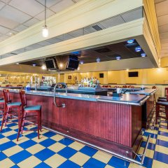 Отель Clarion Inn Frederick Event Center гостиничный бар