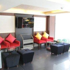 Отель Pakdee Bed And Breakfast Бангкок интерьер отеля