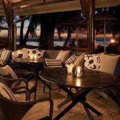 Отель LUX* Ile de la Reunion гостиничный бар