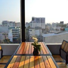 Отель COMMON INN Ben Thanh балкон