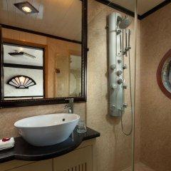 Отель Halong Aclass Legend Cruise ванная
