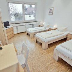 Carl Hostel München Мюнхен комната для гостей фото 2