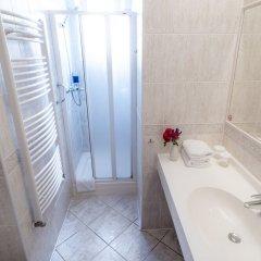 Отель Penzion Fan Чехия, Карловы Вары - 1 отзыв об отеле, цены и фото номеров - забронировать отель Penzion Fan онлайн ванная фото 3