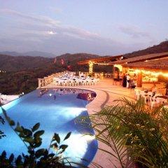 Отель La Escollera Suites бассейн