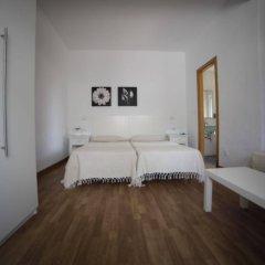 Отель Hostal Los Geranios Del Pinar Торремолинос комната для гостей фото 4
