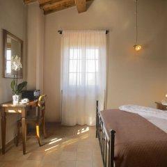 Отель Elegant Farmhouse in Campriano With Swimming Pool Ареццо комната для гостей