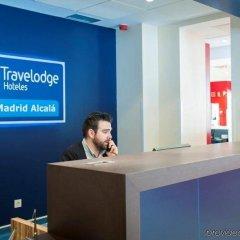 Отель Travelodge Madrid Alcalá Мадрид интерьер отеля