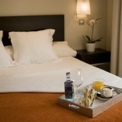 Отель Sercotel Suites Viena в номере фото 2