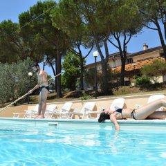 Отель Le Ginestre Arte Vacanze Кьянчиано Терме бассейн фото 3
