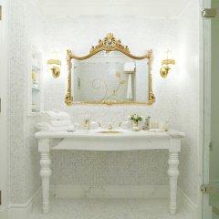 Отель The Plaza Hotel США, Нью-Йорк - отзывы, цены и фото номеров - забронировать отель The Plaza Hotel онлайн ванная фото 2