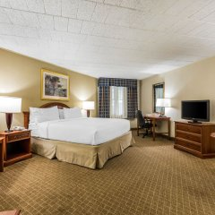 Отель Clarion Inn Frederick Event Center комната для гостей