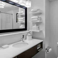Отель Hampton Inn & Suites Los Angeles/Hollywood США, Лос-Анджелес - 8 отзывов об отеле, цены и фото номеров - забронировать отель Hampton Inn & Suites Los Angeles/Hollywood онлайн ванная фото 2