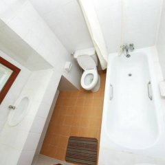 Отель Poonchock Mansion Таиланд, Бангкок - отзывы, цены и фото номеров - забронировать отель Poonchock Mansion онлайн ванная