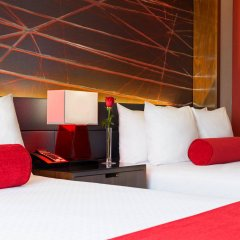 Отель Crowne Plaza JFK Airport США, Нью-Йорк - отзывы, цены и фото номеров - забронировать отель Crowne Plaza JFK Airport онлайн сейф в номере