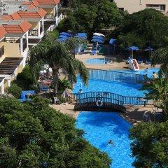 Jacaranda Hotel Apartments бассейн