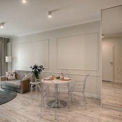 Апартаменты Mennica Central Apartments комната для гостей