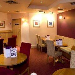 Отель Premier Inn Manchester City Centre - Portland Street Великобритания, Манчестер - отзывы, цены и фото номеров - забронировать отель Premier Inn Manchester City Centre - Portland Street онлайн питание фото 2