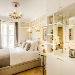Отель Luxury 6Bdr 5Bth Heritage Building - Louvre View Франция, Париж - отзывы, цены и фото номеров - забронировать отель Luxury 6Bdr 5Bth Heritage Building - Louvre View онлайн комната для гостей фото 3