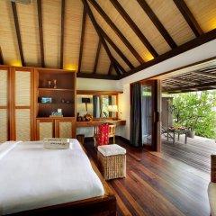 Отель Gangehi Island Resort 4* Вилла с различными типами кроватей фото 4