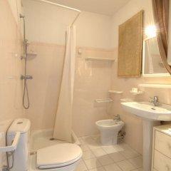 Отель Jardin Bleu Франция, Ницца - отзывы, цены и фото номеров - забронировать отель Jardin Bleu онлайн ванная