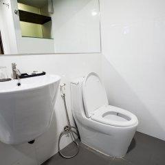 Отель Cubic Pratunam ванная фото 2