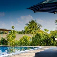 MO Hotel Laamu бассейн