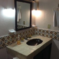 Отель Solimar Inn Suites ванная фото 2