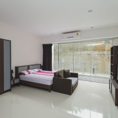 Отель Condo in Karon in Chic Condo (Unit A108) комната для гостей фото 5