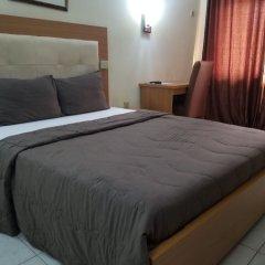 Отель Peemos Place Warri комната для гостей