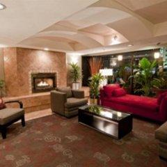 Отель Quality Hotel Downtown-Inn at False Creek Канада, Ванкувер - отзывы, цены и фото номеров - забронировать отель Quality Hotel Downtown-Inn at False Creek онлайн интерьер отеля