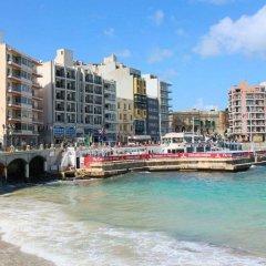 Отель St. Julians Bay Hotel Мальта, Баллута-бей - 1 отзыв об отеле, цены и фото номеров - забронировать отель St. Julians Bay Hotel онлайн пляж фото 2