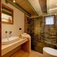 Отель Les Plaisirs d'Antan Италия, Аоста - отзывы, цены и фото номеров - забронировать отель Les Plaisirs d'Antan онлайн ванная фото 2