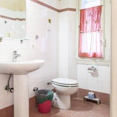 Отель Bed & Bed Cassia Италия, Флоренция - 10 отзывов об отеле, цены и фото номеров - забронировать отель Bed & Bed Cassia онлайн ванная фото 3