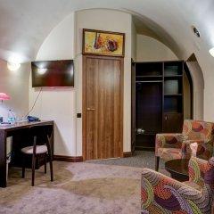 Мини-Отель Big Marine 4* Улучшенный номер с двуспальной кроватью фото 11