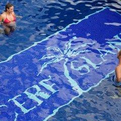 Отель Cerf Island Resort бассейн
