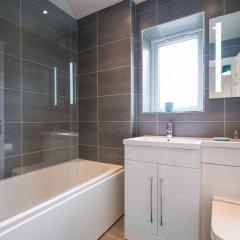 Отель Bluestone Apartments - Didsbury Великобритания, Манчестер - отзывы, цены и фото номеров - забронировать отель Bluestone Apartments - Didsbury онлайн ванная
