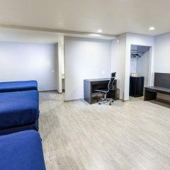 Отель Hollywood Inn Express LAX комната для гостей фото 3