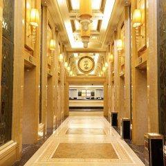 Royal Mediterranean Hotel интерьер отеля