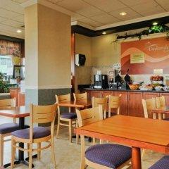 Отель Days Inn Vancouver Airport Канада, Ричмонд - отзывы, цены и фото номеров - забронировать отель Days Inn Vancouver Airport онлайн питание фото 2