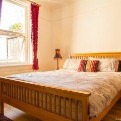 Отель Bright and Spacious 1 Bedroom Flat With Garden Брайтон комната для гостей фото 2