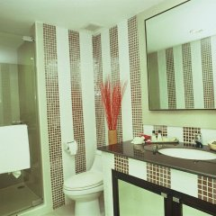 Отель Gardengrove Suites Таиланд, Бангкок - отзывы, цены и фото номеров - забронировать отель Gardengrove Suites онлайн ванная
