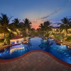 Отель Royal Orchid Beach Resort & Spa Гоа бассейн фото 2